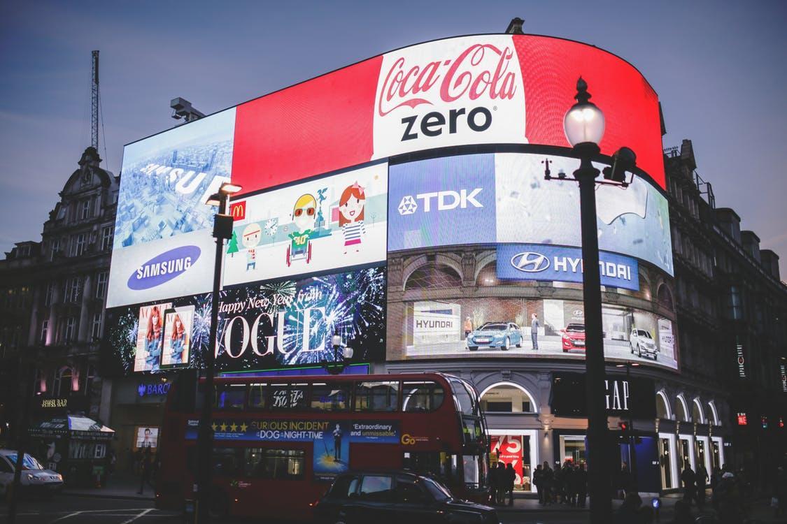 Vertimo paslaugos reklamai padeda sutaupyti kūrimo kaštus.